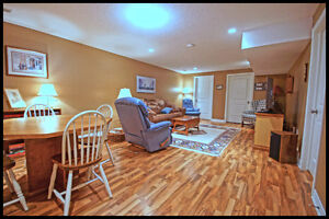 Stunning one of a kind home on an acre in Strathroy London Ontario image 7