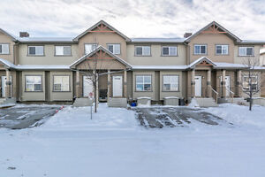 Freshly PAINTED, COZY and CHIC Condo in the Ranch, Strathmore