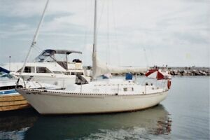 Ontario 28 sloop, lovingly maintained and ready for cruising!