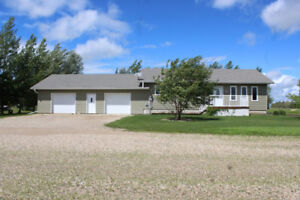 One Owner 4 Bdrm Bungalow for Sale in Roblin, MB!