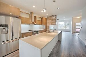 Brand New Modern Family Home- Great West End/Central Location