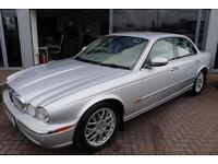 Jaguar XJ V8 SE.