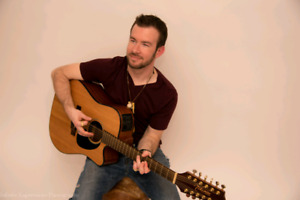 Singer/12 String Guitarist with a killer classic rock playlist!