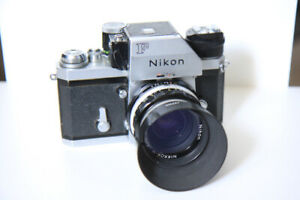 Nikon F 1972 with meter prism and lens