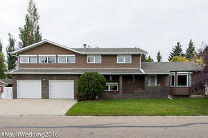 Reduced to Sell! 4 Level split located in Lacombe