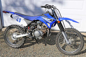 Yamaha Dirt Bike TT-R 125