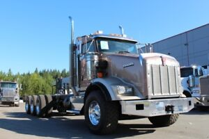 2013 Kenworth T800 Tri-Drive Truck, Extended Day Cab, 18 Speed