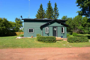 UPGRADED ACREAGE between Sherwood Park and Ardrossan!