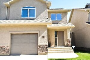 Show Home Quality Townhouse Style Condo, Crescent Acres