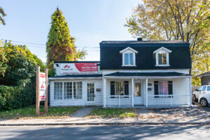 Chomedey Laval renovated 2 storey single house for rent
