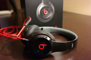 BEATS SOLO 2 COMES WITH BOX 10/10 condtion