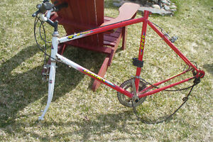 Lot Chassis (2) Lot de roues