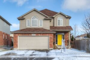 Fabulous Family Home in Desirable area of Waterloo!