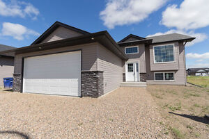 Awesome home in Martensville! Ready to move in!!