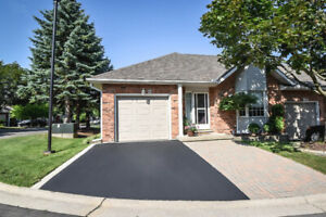 810 Golf Links End Unit 1 Floor Bungalow Townhome Ancaster 2 Bed
