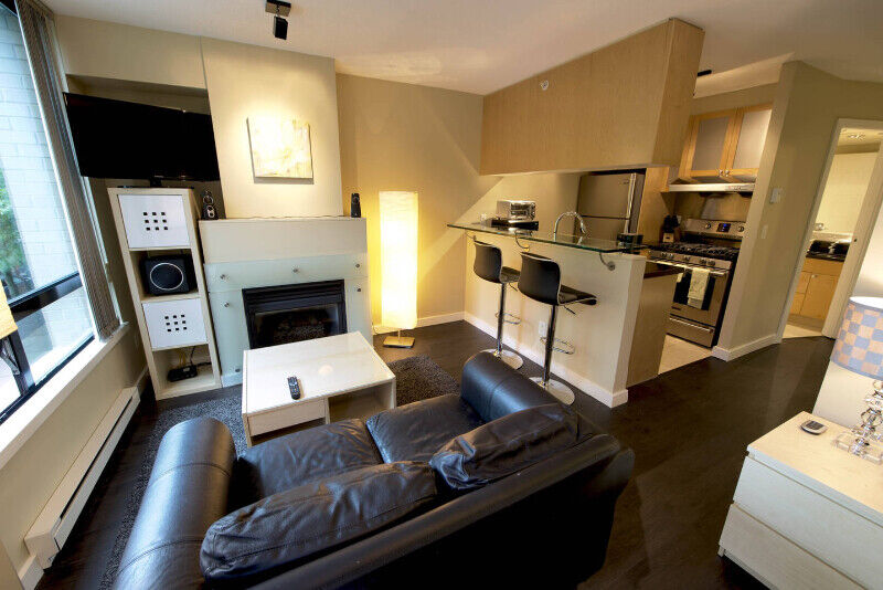Downtown Vancouver New Fully Furnished Studio w/ Office ...