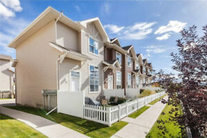 2 bedroom Townhouse for Rent in Tuscany area Calgary