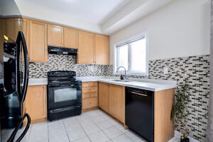 2 Bedrooms available for Rent on Main Floor in Brampton