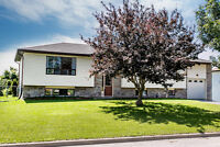 Superb Location with In-law Potential-2027 Chantler St. Innisfil