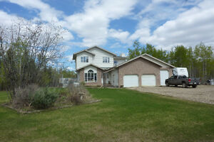 Beautiful Hilltop Estates Acreage, County of Grande Prairie, AB