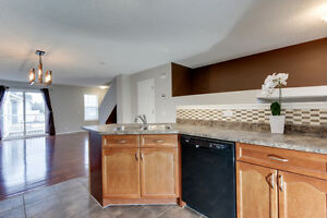 2 Master Bedrooms (Hamptons), AC & 2 car garage! Edmonton Edmonton Area image 8