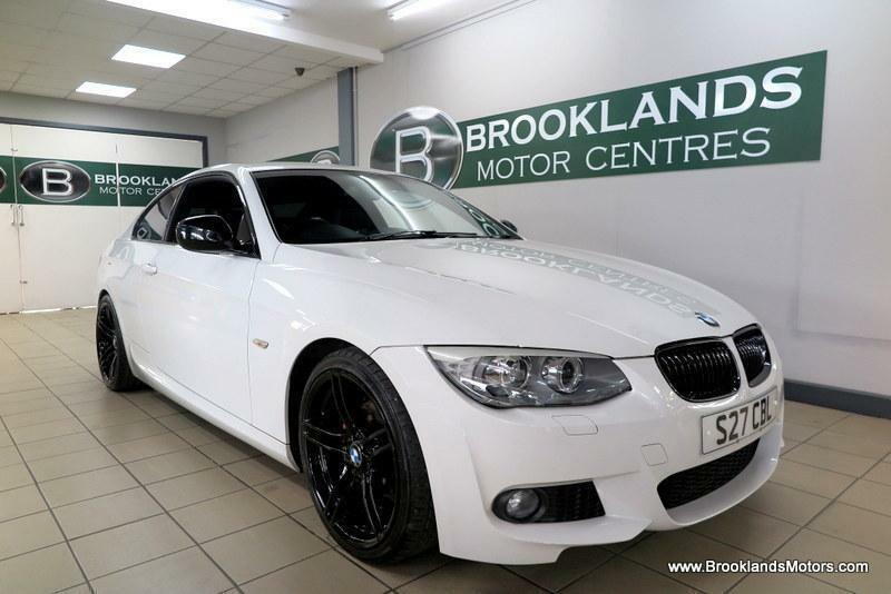 BMW 3 SERIES 318i 2.0 Sport Plus [3X BMW SERVICES, SAT NAV and LEATHER]