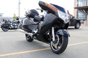 2015 Victory Motorcycles Vision Tour Gloss Black