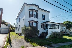 AVAILABLE SEPT 1 - LARGE 3 BEDROOM w/LG HEAT PUMP