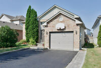 Beautiful and large raised bungalow - South East Barrie