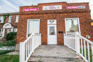 COMMERCIAL BUILDING FOR SALE: 862 SELKIRK AVENUE