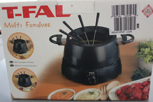 FONDUE POT ELECTRIC WITH FORKS
