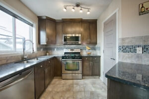 Family home in Summerside!!