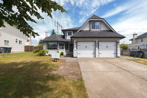 Great Location! 18667 57 Ave