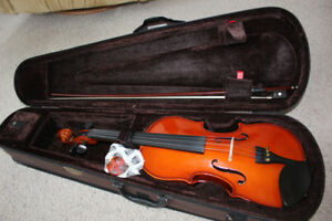 New Condition 4/4 Stentor Full Size Violin/Fiddle Outfit