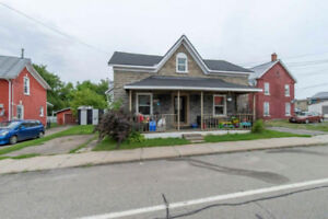 Great investment opportunity in Cardinal Ontario! Side x Side Du