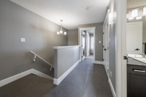 Lovely Townhouse with Great Price in Secord! NO CONDO FEE!