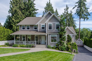 A Spectacular Estate Property in PANORAMA RIDGE, DON'T MISS IT!