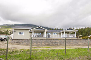 Salmon Arm - Rancher Close to Town on 5 Acres
