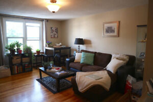 3 Bed Apartment close to Queens, central and quiet street