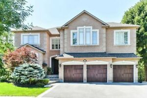 House for Sale in Aurora at Carlyle Cres