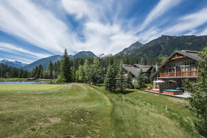 SEPT LONG 4BR PANORAMA MOUNTAIN RENTAL GREYWOLF VIEWS & HOT TUB!