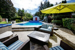 PEBBLE HILL family home with POOL!