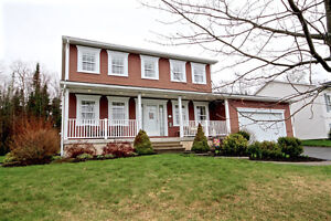 Open House Sunday: 2 Storey, Attached Garage in Lincoln Heights!