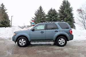 2012 Ford Escape XLT Crossover- 4 NEW TIRES & ONLY $9950!!