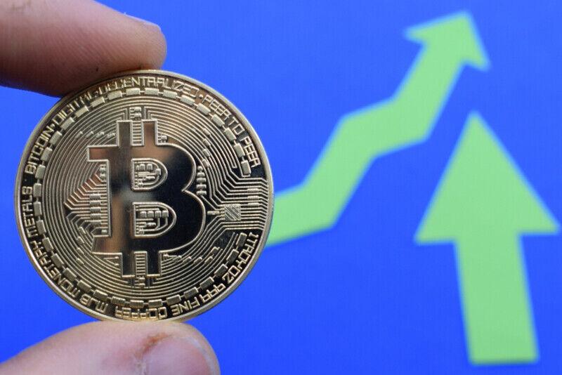 lowest fee buy bitcoin