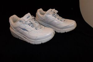 "Womens AVIA 9995 Sneakers ""NEW"""
