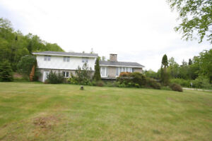 OPEN HOUSE 1 Woodhaven Dr. Kingston Sun July 22nd 1-2:15