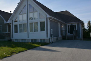 Collingwood Fall Rental - Upscale and Clean Chalet - Designer