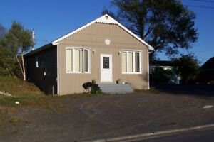 1 Bedroom Apartment. Furnish Heat n Light Included. CLARENVILLE