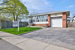 Bungalow Well Maintained House In The Heart Of Mississauga